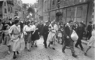 """En la novela """"Pingüinos en París"""" de Jordi Siracusa. Capítulo: Chartres, agosto 1944"""