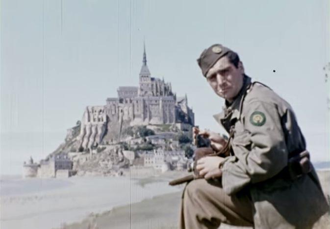 robert-capa-devant-mont-saint-michel-1944-jack-lieb