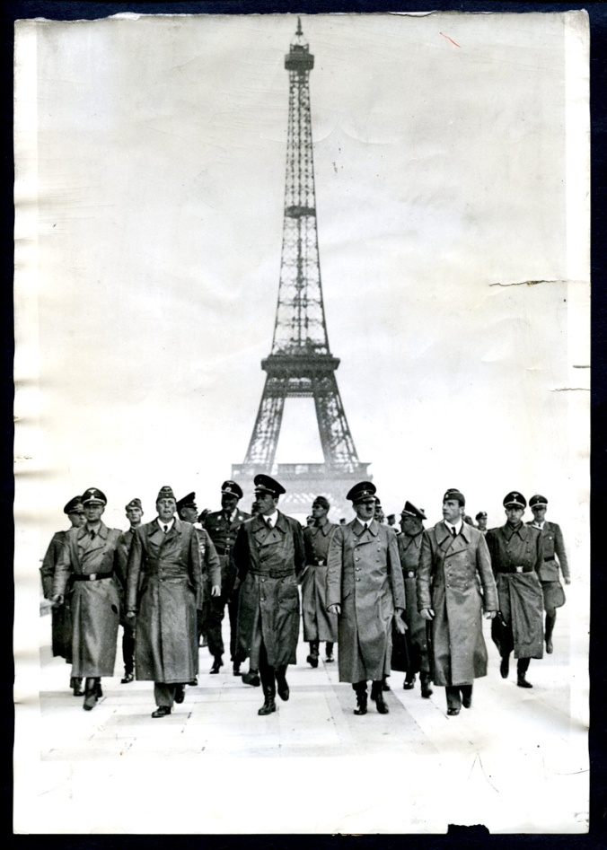 paris-france-city-of-love-under-german-nazi-occupation-german-men-with-french-women-709