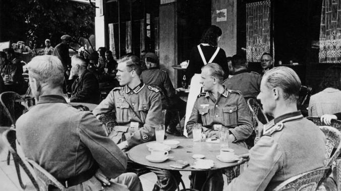 soldados-alemanes-en-paris-suddeutsche-zeitung