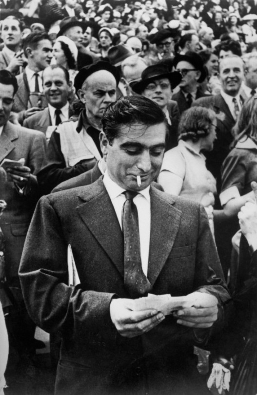 1953-robert-capa-longchamp-racetrack-paris-hcb (1)