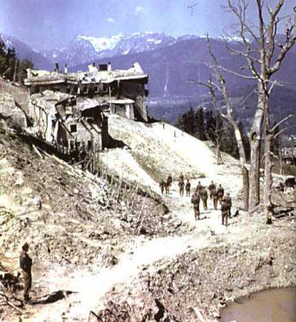 Berghof 25 avril 45 bombarde