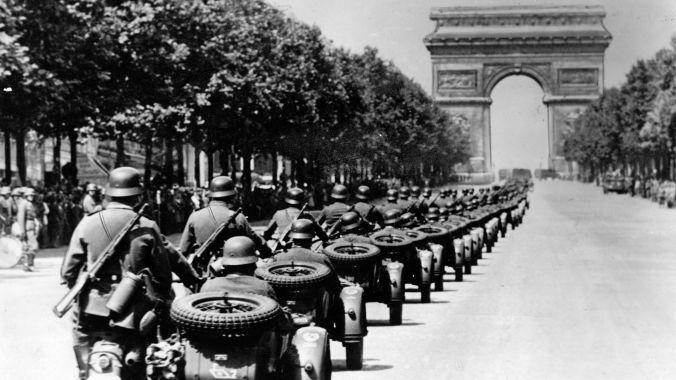 Tropas-alemanas-llegan-a-París-la-Invasión-de-Francia.